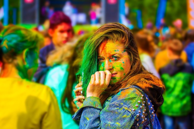 the-festival-of-colors-2374421_1920